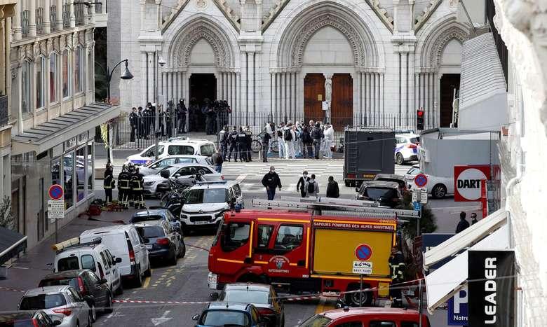 Ataque a faca deixa três mortos na cidade francesa de Nice - Reuters/Eric Gaillard/Direitos Reservados