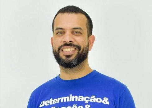 Diretor-geral do Colégio e Curso Progressão Leonardo Chucrute